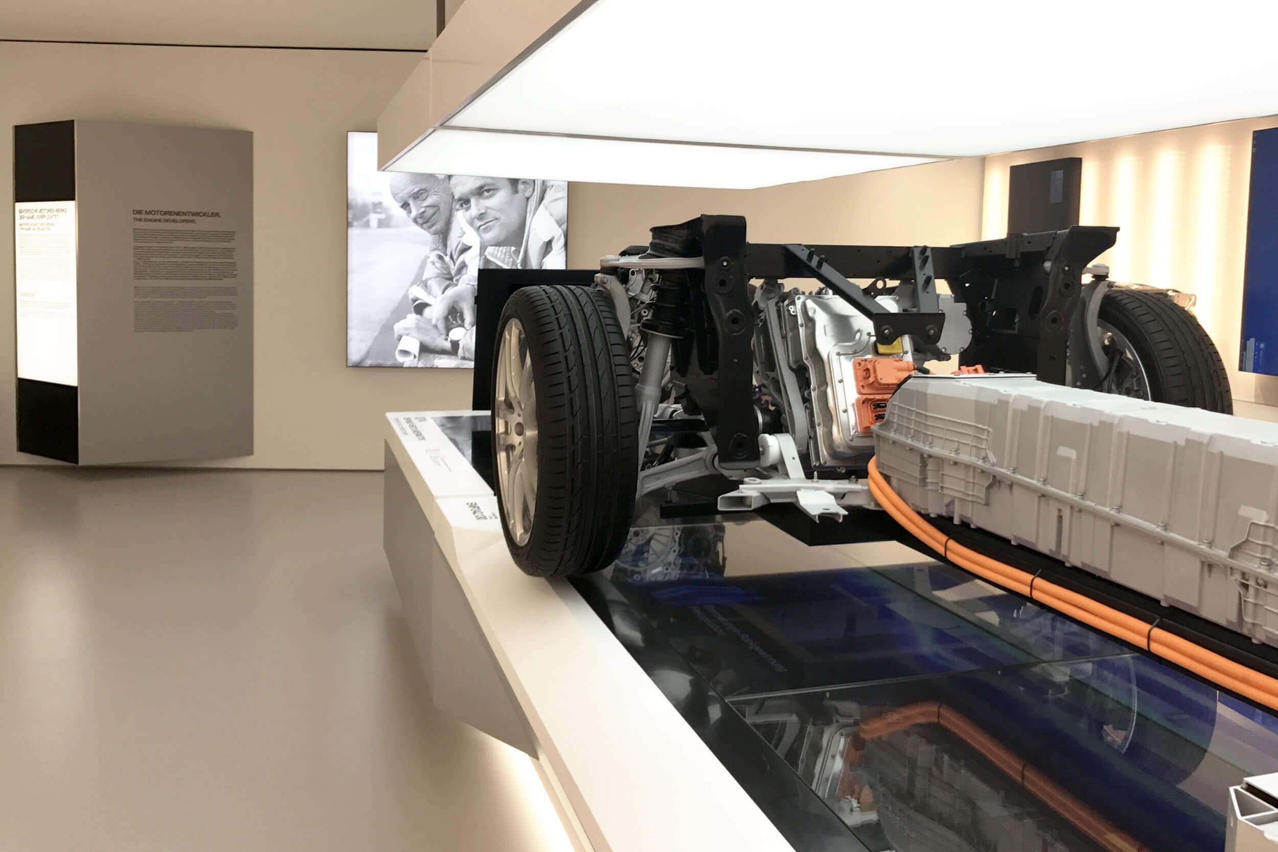 Nahaufnahme eines historischen BMW Motors