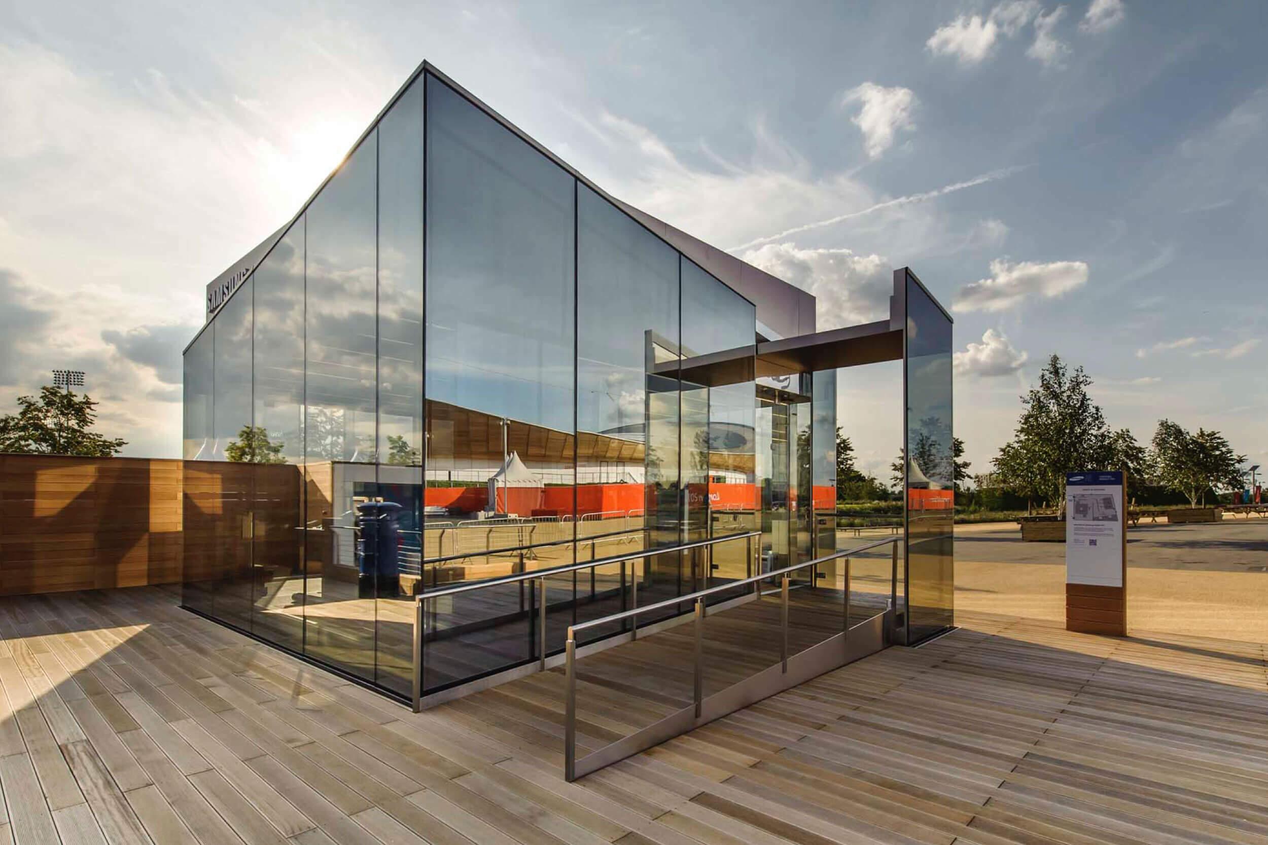 Der Samsung Olympic Park Pavillon von außen