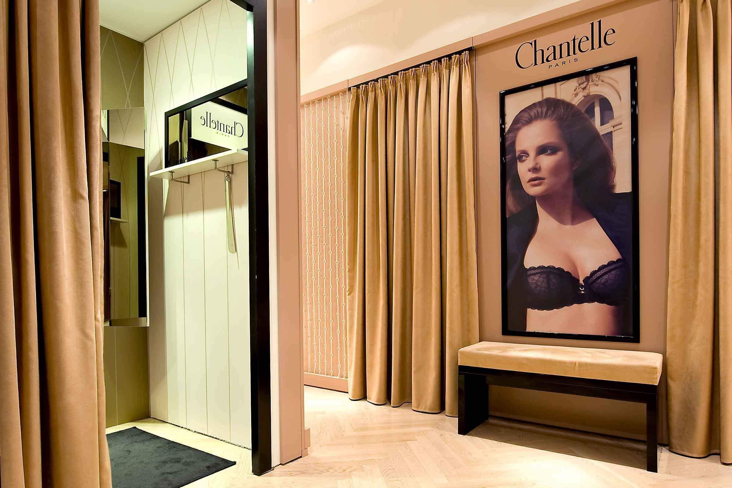 Chantelle Umkleidekabine auf der Shop-in-Shop Verkaufsfläche